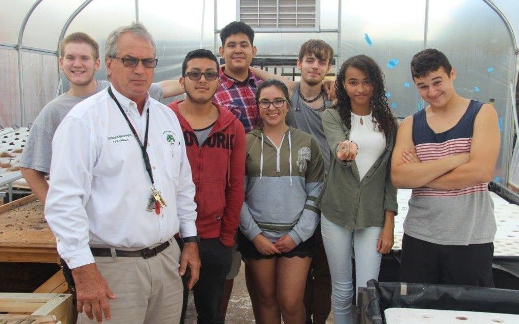 Aquaponics takes root at McArthur High School