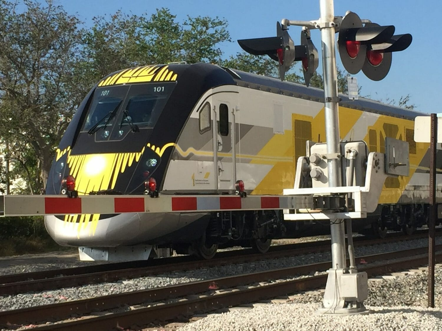 Brightline and FPL announce clean energy partnership