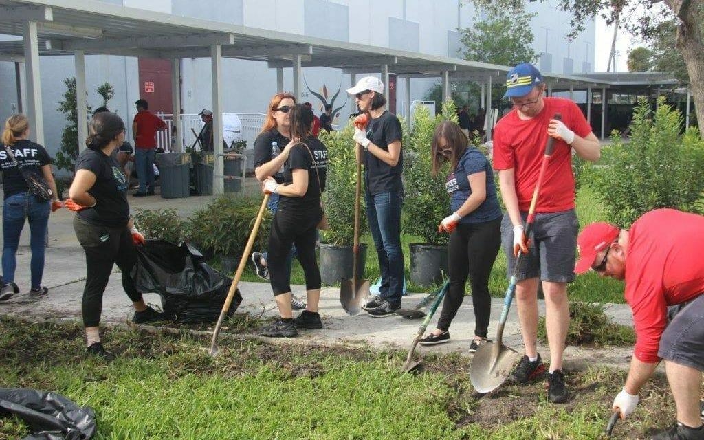 McNicol Middle School Builds Outdoor STEM Classroom