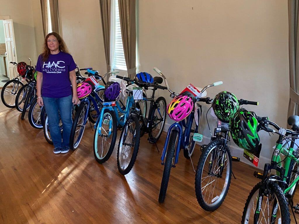 Hollywood women's club and hpd play bike santas again for 2019 season